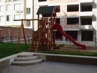 Детска къщичка с пързалка и люлка