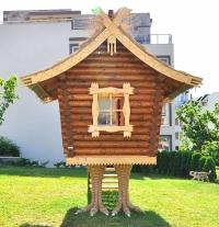 Дървен детски кът