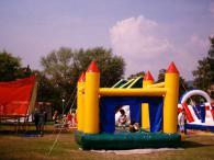 Надуваем замък за деца