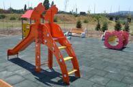 Пързалка във формата на жираф