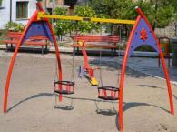 Монтаж на двойни люлки за деца до 3 години