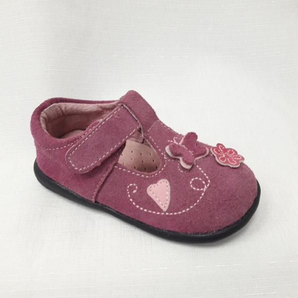 Лилави бебшки обувки от естествен велур.