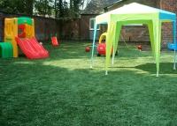 Настилка за детска площадка-изкуствена трева